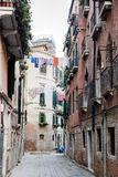 Backstreet en Venecia, Italia Imagen de archivo