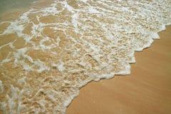 Backwash i wody morskiej piana na Anakena plaży na Wielkanocnej wyspie, Chile, Ameryka Południowa fotografia stock