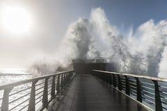 Backwash na wielkim jetty los angeles Chaume obraz royalty free