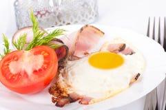 baconägg stekte tomater Royaltyfria Bilder
