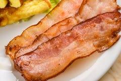 Bacon ed omelette immagini stock