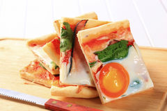 Bacon and egg pizza Stock Images