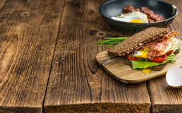 Bacon and Egg Sandwich selective focus Royalty Free Stock Images