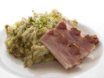 Bacon em batatas trituradas imagem de stock