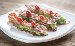 Bacon en guacamole sammies royalty-vrije stock afbeelding