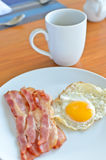 Bacon and fried egg Stock Photography