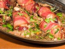 Bacon Verpakte kippenlevers Stock Afbeeldingen