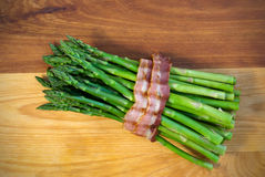 Bacon-wrapped Steamed Asparagus Royalty Free Stock Images