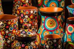 Bacs d'argile colorés Images stock