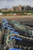 Bacs de langoustine dans Lindisfarne images libres de droits