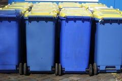 Bacs de recyclage, Brême, Allemagne Photos stock