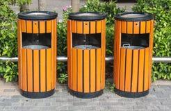 Bacs de recyclage de poubelles Photographie stock libre de droits
