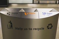 Bacs de recyclage de récipient d'écologie Photo stock