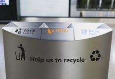 Bacs de recyclage de récipient d'écologie Photos stock