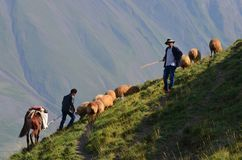 Bacy blisko Xinaliq, Azerbejdżan, daleka górska wioska w Wielkim Kaukaz pasmie Zdjęcia Royalty Free