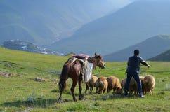 Bacy blisko Xinaliq, Azerbejdżan, daleka górska wioska w Wielkim Kaukaz pasmie Zdjęcie Royalty Free
