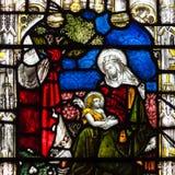 Bad Abbey Perpendicular Gothic Window Close herauf d-Buntglas Lizenzfreies Stockbild