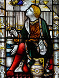 Bad Abbey Perpendicular Gothic Window Close upp H-målat glass Arkivbilder
