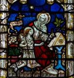 Bad Abbey Perpendicular Gothic Window Close upp mig målat glass Arkivbild