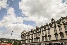 Bad, England - blaue Himmel Lizenzfreie Stockbilder