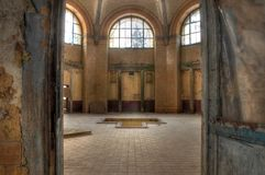Bad im Beelitz Heilstaetten Stockfotografie