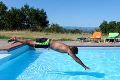 Bad im Pool Stockfoto