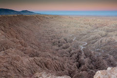 Bad-lands d'Anza-Borrego avec l'horizon de gradient Photo stock
