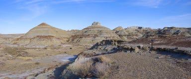 Bad-lands dans le panorama provincial de stationnement de dinosaur Photos libres de droits
