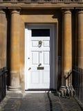 BAD SOMERSET/UK - OKTOBER 02: Front Door av ett hus i th Fotografering för Bildbyråer