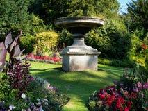BAD SOMERSET/UK - OKTOBER 02: Trädgårdar i Victoria Park i slagträ Royaltyfri Foto