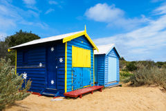 bada färgrika hus Arkivfoton