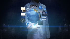 Badacz, inżynier otwarta palma, infotainment system, sieć samochód łączy internet, ogólnospołeczna medialna usługa globalnej siec zbiory