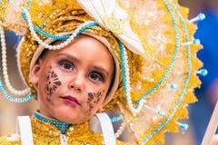 Badajoz, España - 24 de febrero de 2017: Niños que participan en el desfile de carnaval del ` s de los niños en Badajoz Imagenes de archivo