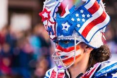 Badajoz, España - 24 de febrero de 2017: Niños que participan en el desfile de carnaval del ` s de los niños en Badajoz Foto de archivo