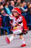 Badajoz, España - 24 de febrero de 2017: Niños que participan en el desfile de carnaval del ` s de los niños en Badajoz Fotografía de archivo
