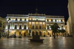 Badajoz urząd miasta przy nicht, Hiszpania zdjęcie royalty free