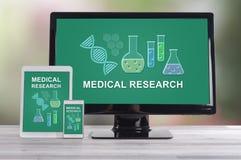 Badania medyczne pojęcie na różnych przyrządach obraz stock