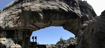 Badanie i eksploracja w jaskiniowym i górach zdjęcia stock