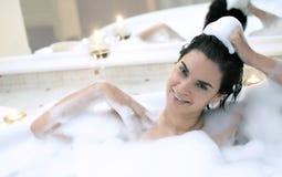 badar den varma bubbelpoolen för badet bubbelpoolen royaltyfri bild