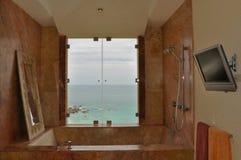 badar lyxig marmor för badet Royaltyfri Fotografi