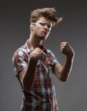 Badass-Mann im Hemd Stockfotografie