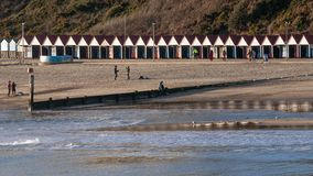 Badeanstalt in Bournemouth, England, Vereinigtes Königreich an einem sonnigen Tag lizenzfreies stockbild