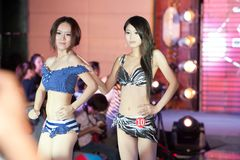 Badeanzugshow-c$d fünfzig-erster Wettbewerb Fräuleins International Jiangxi Lizenzfreie Stockbilder