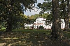 Badehaus histórico com o parque em Soden mau, Alemanha fotografia de stock royalty free