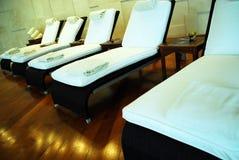 Badekurort-Aufenthaltsraum-Stühle Stockbilder
