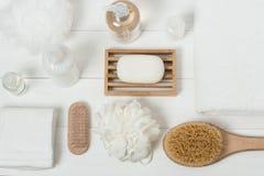 Badekurort-Ausrüstung Shampoo, Stück Seife und Flüssigkeit Duschgel aromatherapy Lizenzfreie Stockfotografie