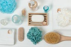 Badekurort-Ausrüstung Shampoo, Stück Seife und Flüssigkeit Duschgel aromatherapy lizenzfreies stockbild
