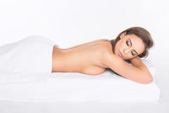 Badekurort Entspannte junge Frau Lizenzfreie Stockfotografie