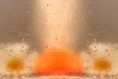 BADEKURORT-Hintergrund mit Seife und camomiles Stockfoto