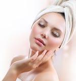 Badekurort-Mädchen. Skincare stockbilder
